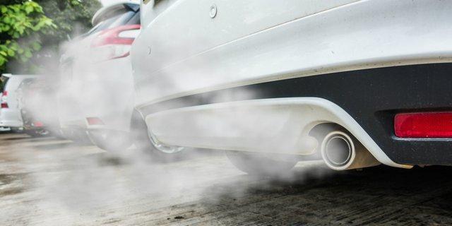 Kenali Kerusakan Mobil Melalui Asap Knalpot