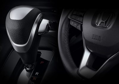 modeldetailimageinterior_0011_leather_wrapped_steering_wheel___shift_knob_compose_b_copy__1613049354920