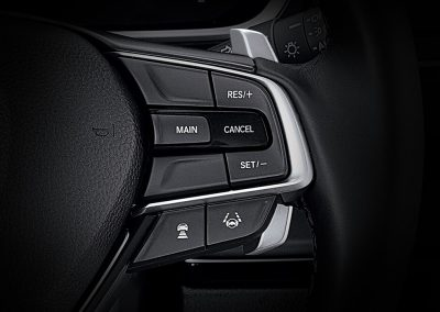 modeldetailimageinterior_0013_paddle_shift_and_cruise_control_copy__1613049553348