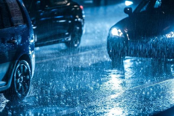 Komponen Mobil Wajib Dicek Saat Musim Hujan